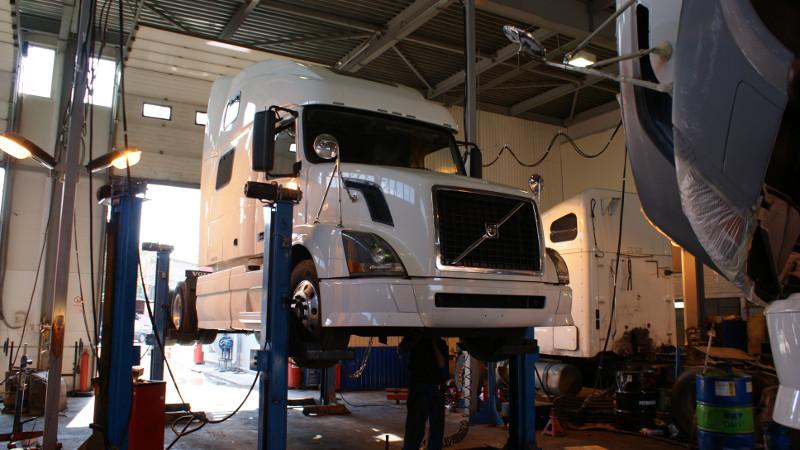 техническое обслуживание грузовиков, ремонт седельных тягачей, сервис грузовиков